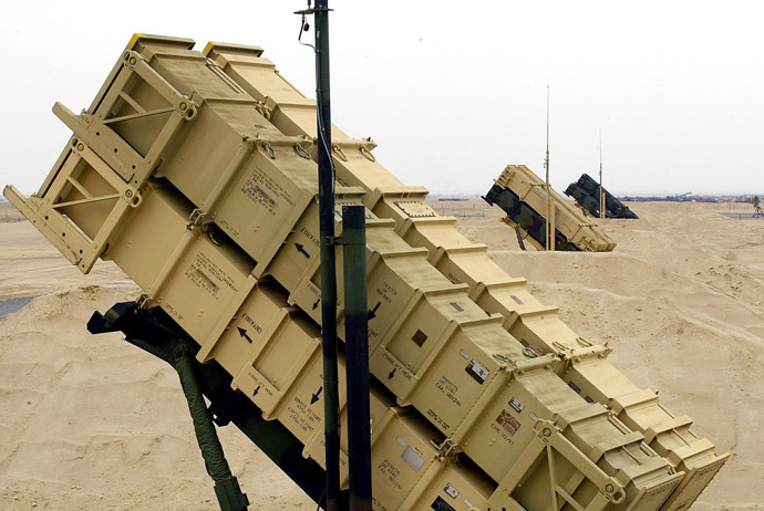 Patriot Missiles stand at the ready at a classified launch area in the southern Kuwaiti desert. (AFP Photo)