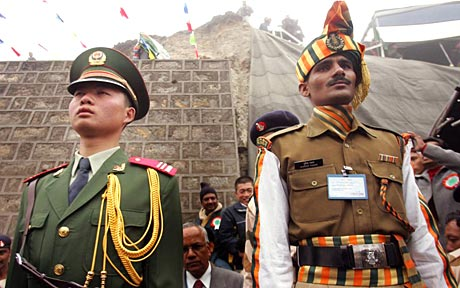 india_-_china_soldiers