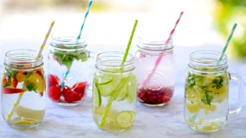 How to make detox water?