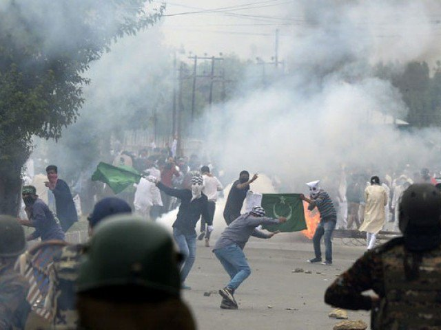 Rebels kill 1 Indian soldier, wound 3 in Kashmir