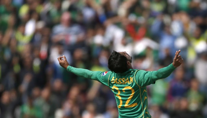 Pakistan stun South Africa with rain-hit, 19-run win