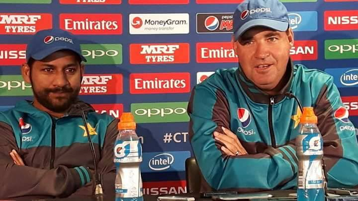 Mickey Arthur: Pakistan 'completely calm' ahead of India clash