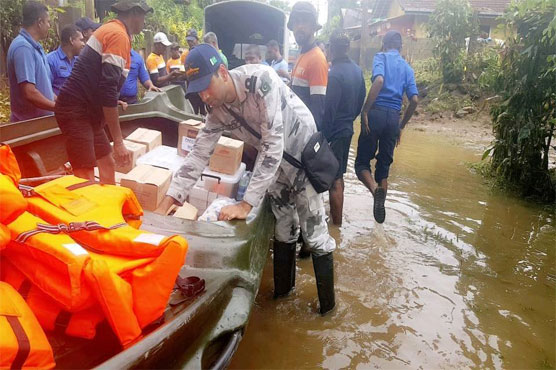 Toll in Sri Lanka floods rises to 206; global aid pours in