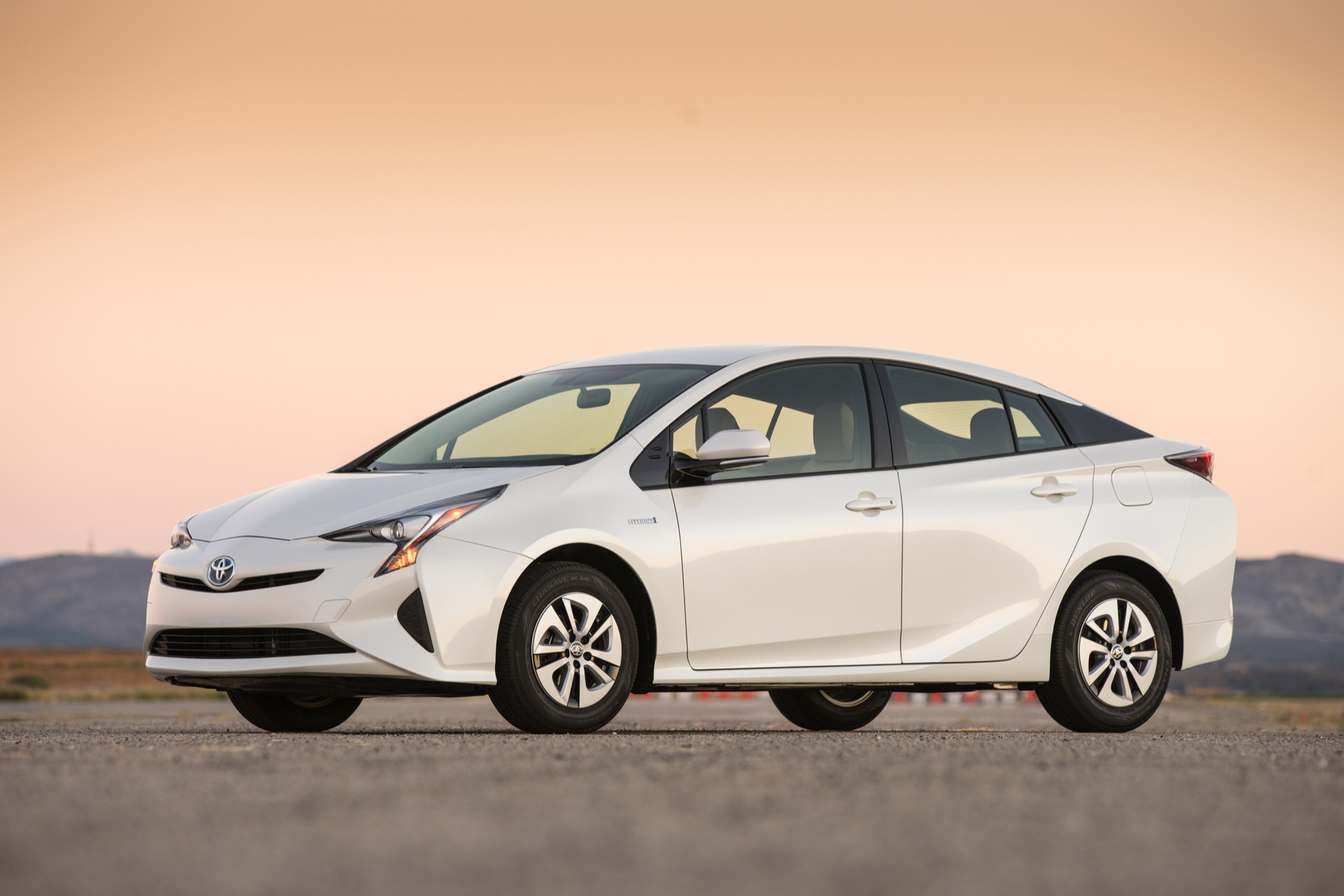 Toyota Prius 2016 Is The Most Fuel Efficient Hybrid Car Ever Built