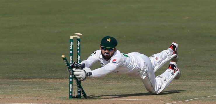 Pakistan in trouble as Rabada leads South Africa fightback in first Test